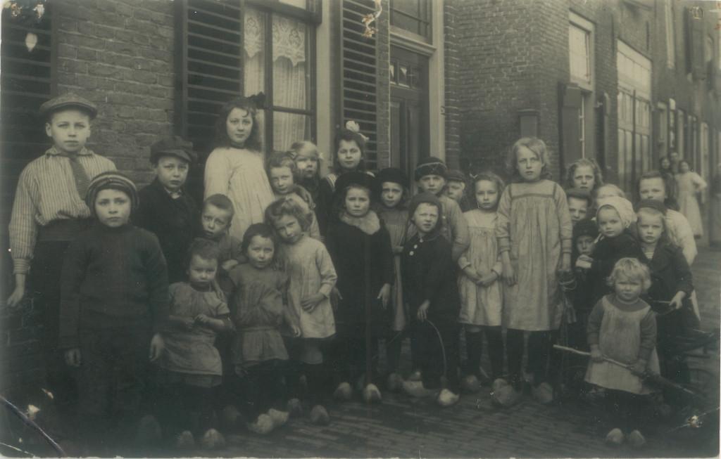 Nieuwstraat straatfotograaf febr 1923